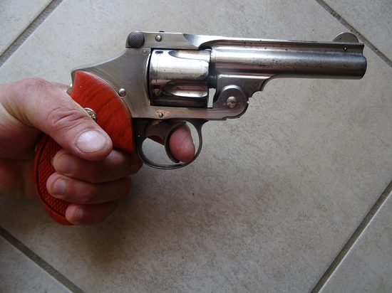 SMITH  ET WESSON SAFETY HAMMERLESS 5 COUPS CALIBRE 38 SW VERS 1908